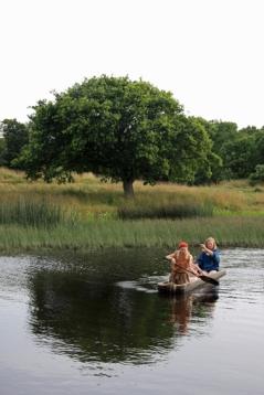 Stokkebåt på tjernet / Log boat in the small lake