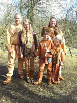 Fortidsfamilien på Steinalder- og bronsealderdagen