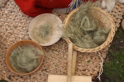 Ulike grader av renset lin, her er det mye putlearbeid
