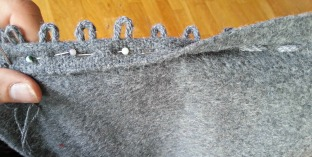 Hemper av slindret snor / loops from a braided lace