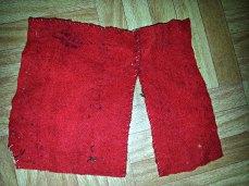 Gammelt klede som broderiene på Lena sin gamle klut var montert på