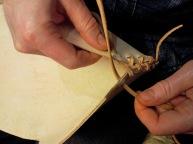 Hælsnøringen / Stringing the heel
