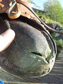 Særlig hælen er utsatt / In particular, the heel is exposed to wear and tear