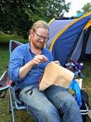 Stille kvelder foran teltet med litt vin og litt håndverk / Quiet evening with wine and shoemaking