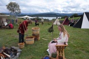 Demonstrasjon av ølbrygging / Brewing Viking beer