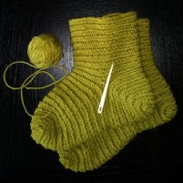 Ferdige i dag, påskeferiens første par sokker / The first pair of socks this Easter