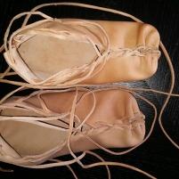 Første par leksviksko i denne omgang / First of many Iron Age shoes this Easter
