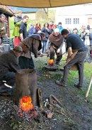 2 kilo glødende jern fra blesterovnen / 2 kg hot iron from the furnace