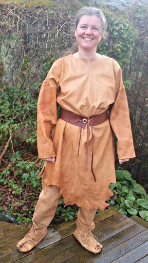 Halvlang kjole eller kjortel til stor mann / Dress or tunic for large man