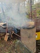 Blesterovnen sees etter og malmen røstes / Preparing the ore