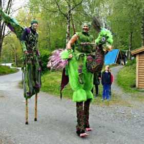 Fabeldyr fra Federgeist / Fable creatures from Federgeist theatre