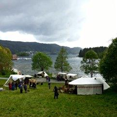 Det blåste friskt fra fjorden i bakkene og på vollen / Nice weather, but quite windy from the fjord