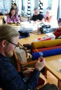 Espen fikk til og med litt tid til å sy innimellom / Even Espen got to sew a little
