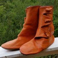Høye knappestøvler / High buttoned boots