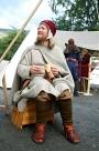 Espen lager middelaldersko / Espen making shoes