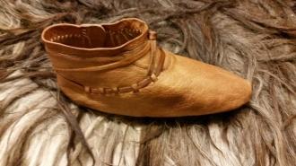 Ferdig sko, høyre side / Finished shoe, right side