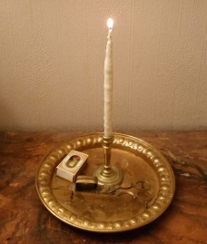Talglys med tvunnet hampevek / Tallow candle with twisted hemp wick