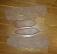 Osebergsko i løse deler / Oseberg shoes in parts