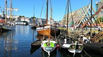 Flotte båter: Nordlandsjekta Brødrene, vengebåten Enigheten, vedaskuten Brørvikskuta og galeasen Loyal, med flere / Nice boats