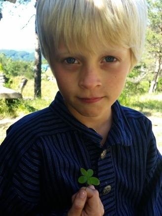 Sigvald fant en FEMkløver / Sigvald found av five leaf clover