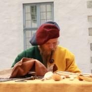 Olav jobber konsentrert / Olav working