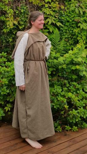 Omfangsrik peplos / The peplos dress is basicly a wide sylinder