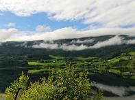 Underveis til Gudvangen i vakkert landskap / On our way to Gudvangen