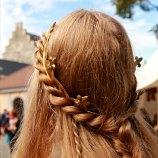 Kongelig frisyre laget av Flettemamma / Royal hairstyle created by Flettemamma