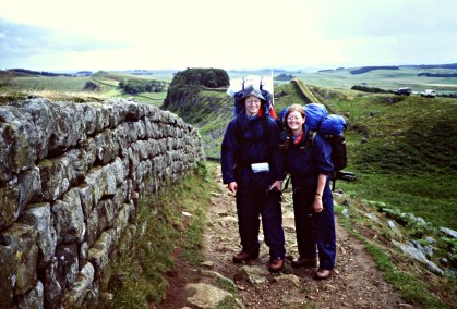 Lena har gått gjennom gamle bilder: Ungdommer på Hadrians mur i 1993 / Looking at old photos: Younger versions of us at Hadrian's Wall in 1993