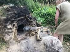 Dessverre ble brødende litt vel stekt første gangen / The first time, the bread were heavily charred