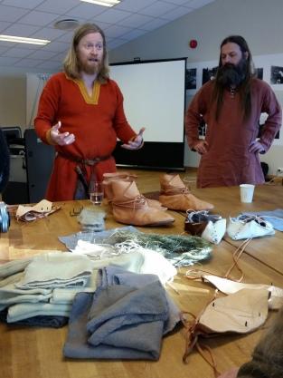 Espen legger engasjert ut om vinterfotbekledning / Espen tells enthusiastically about Viking winter footwear