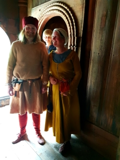 Det måtte selvsagt poseres litt i Finnesloftet / Some posing in the medieval loft