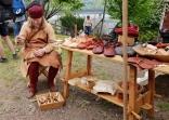 Espen var som vanlig skomaker / Espen spent most of the day making shoes, as usual