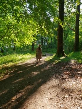 På tur i eikeskogen / In the oak forest