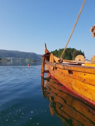 Svømmetur ved vikingskipet / A swim along the VIking ship
