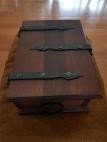 Middelalderskrin til kassabeholdning / Medieval style casket for our sales stall