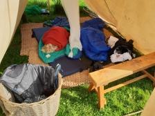 Guttene holdt det gående lenge fredag kveld, og sov tilsvarende lenge lørdag morgen / The boys asleep in the morning
