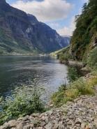 Utsikt mot vikinglandsbyen innerst i fjorden / View towards the Viking Valley at the bottom of the fjord