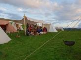 Gilde og samvær under taket til Frie Duellister / Feasting under the tarpaulin