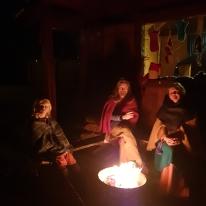 Kveldsstemning ved bålet, Sigvald, Morten og Lena / Evening by the fire, Sigvald, Morten and Lena